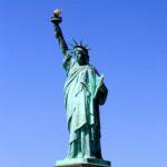 Muslimsk, fransk/norsk kvinne ble verdens symbol for fred og frihet